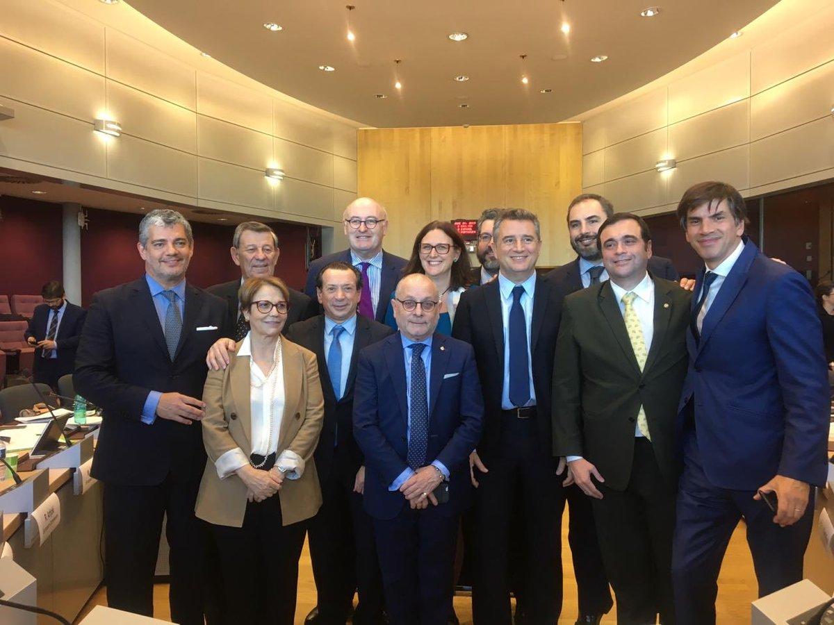 La delegación argentina que negoció la entrega de las pymes a la Unión Europea.