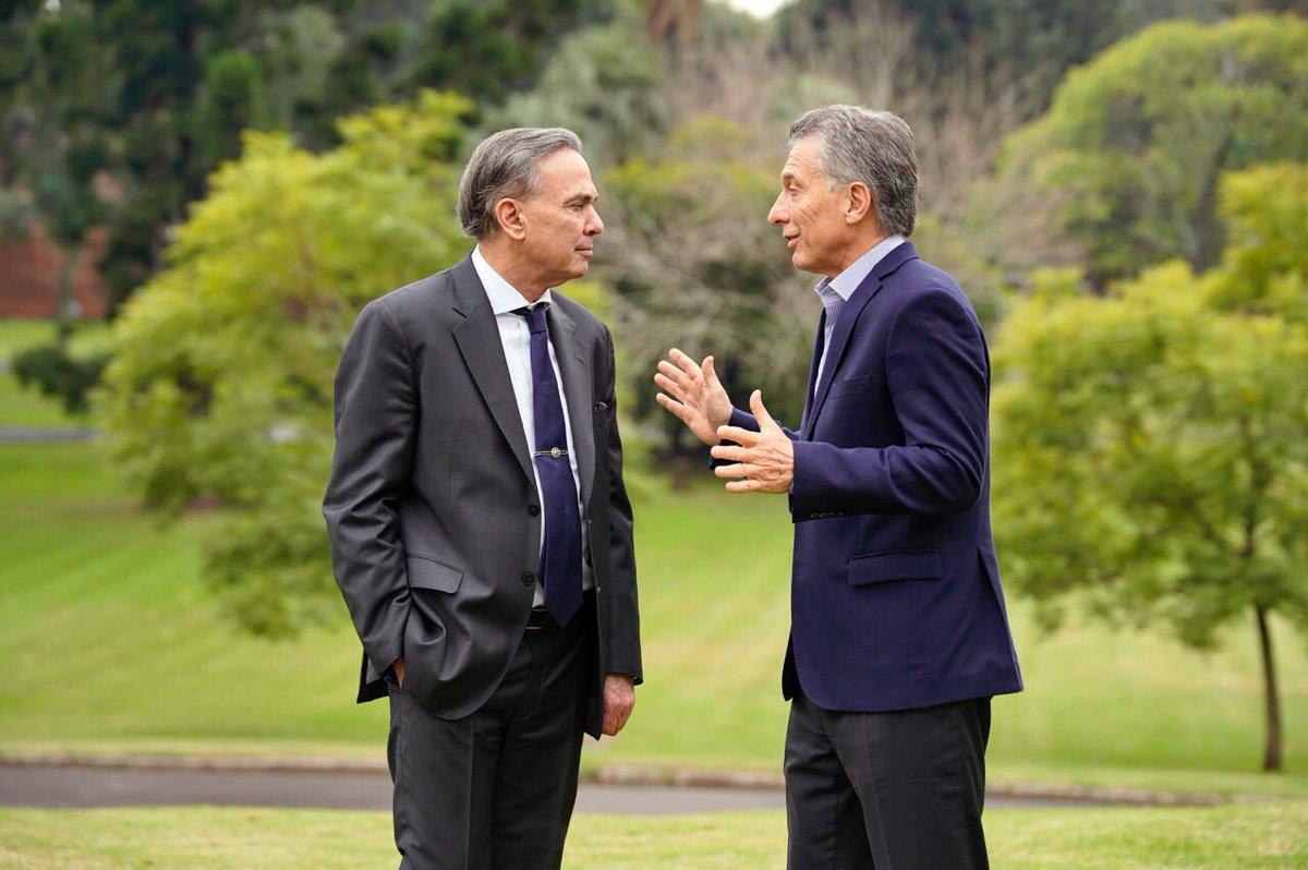 El Senador menemista Miguel Ángel Pichetto y el Presidente Mauricio Macri.