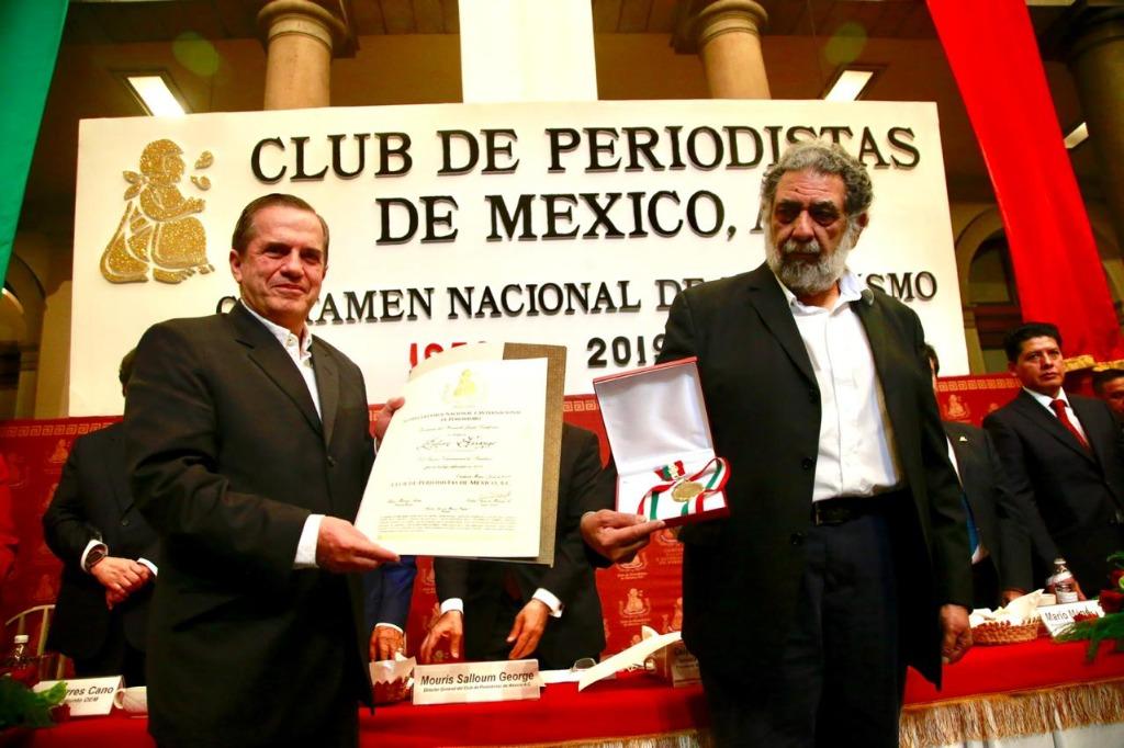 Ricardo Patiño y el periodista Miguel, creador del Grupo que defiende a Julián Assange.