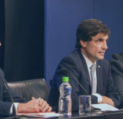 Hernán Lacunza anunció una cesación encubierta de pagos.