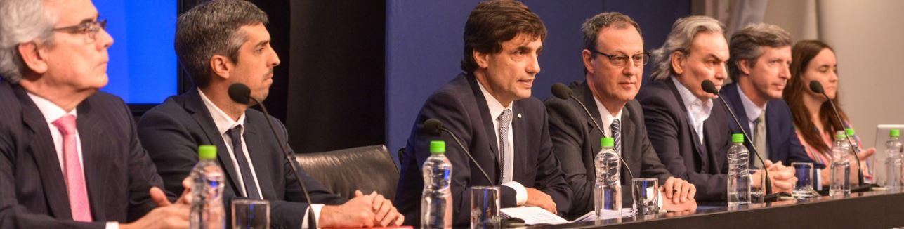 Ministro Lacunza y equipo.