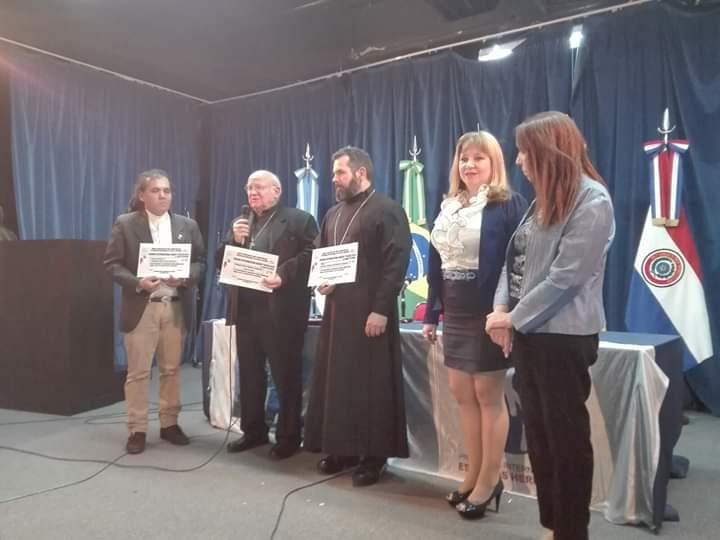 De izquerda a derecha Protopresbítero Stefano, Obispo Franc, Obispo Teófano y Patricia Gallardo en la Cámara de Diputados.