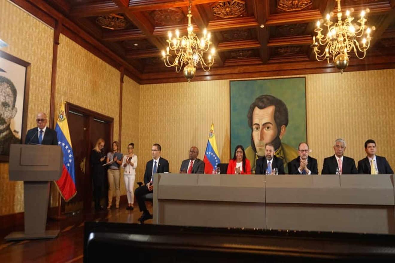VENEZUELA_Mesa-de-dialogo-nacional