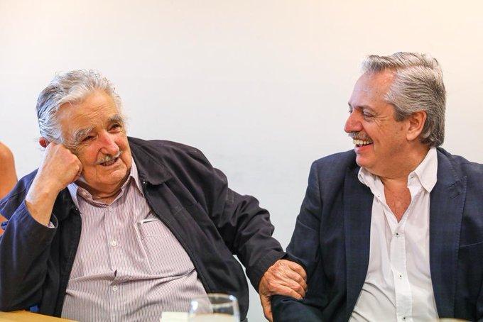 Alberto Fernández con José Mugica.