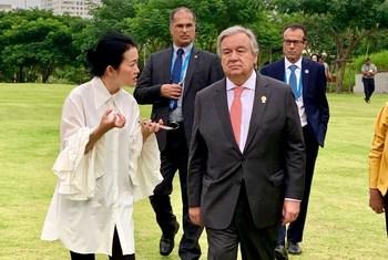 Guterres, Secretario General de la ONU susoendió la Cumbre del Clima en Chile por el desastre social de ese país.
