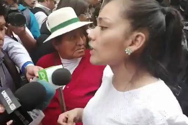 Adriana Salvatierra, sucesora natural de Evo Morales y Álvaro Linares.