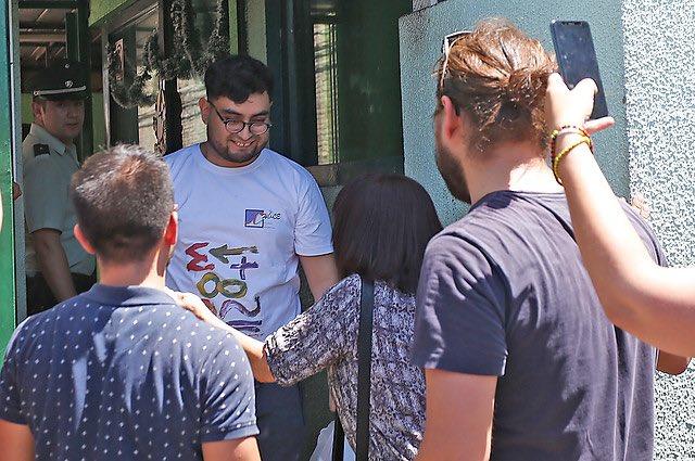 El Profesor Roberto Campos sale de su desmedida prisión en Chile.