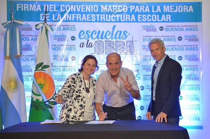 Los municipios adhirieron al mega plan de reconstrucción de setescientas escuelas en la Provincia de Buenos Aires.
