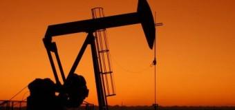 MUNDO – Economía | El petróleo se desplomó a su nivel más bajo en la historia.