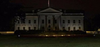 MUNDO – Estados Unidos | Donald Trump apaga la Casa Blanca y se esconde ante la crisis que enardece a la población.