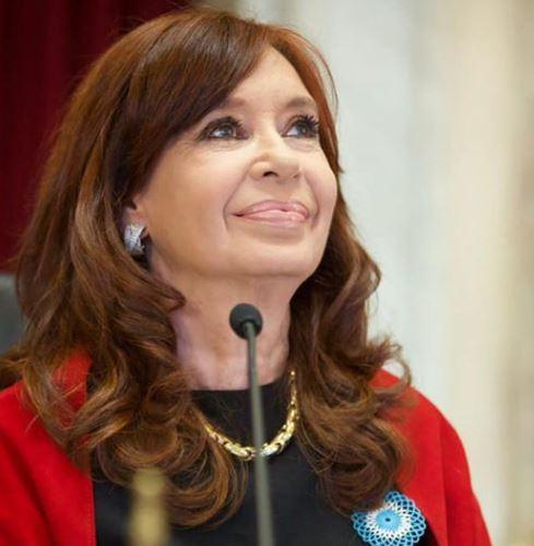 Cristina Fernández fue informada de cómo el régimen macrista la perseguía.