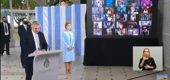 TV en DIRECTO |  El Presidente Fernández toma la Promesa a la Bandera a alumnos de escuelas públicas.