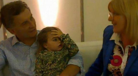Susana Martinengo, Antonia y Mauricio Macri. El ex Presidente dice que no la conoce.