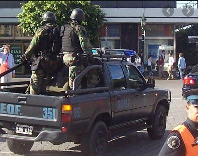 Policia_camioneta