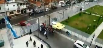 TRABAJADORES – CABA | Una patota apretó a trabajadores de ATE Capital Salud por denunciar el caos hospitalario porteño.