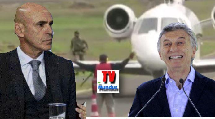 Arribas_Macri_avion