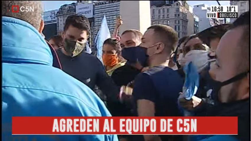 Nazis_agreden_C5N_5