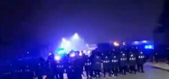 EMPRESARIOS CORRUPTOS | Policías de Vicentín reprimen a los trabajadores de Algodonera Avellaneda.