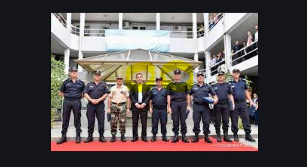 Garcñia, Jefe de la Policía Bonaerense en una foto oficial muy cerca del macrista Ritondo.