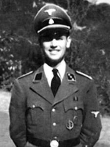 El criminal de guerra nazi Priebke dirigía el Instituto donde estudió la macrista Soledad Acuña.
