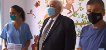 TV en VIVO |  Desde el Hospital Posadas comenzó la vacunación contra el COVID-19.