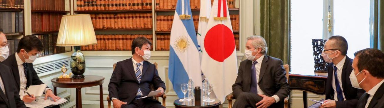Delegación de Japón en entrevista con el Presidente Alberto Fernández.