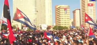 REGIÓN – Cuba | Cerca de 200 mil cubanos manifestaron su apoyo a la Revolución socialista.